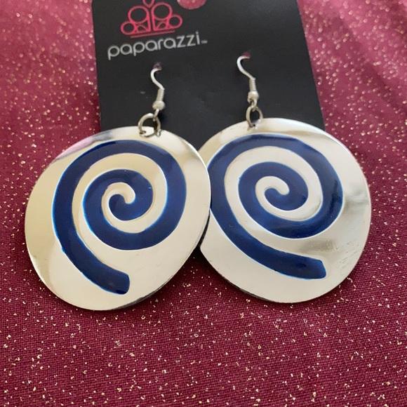 🆑3 for $10🆑 paparazzi blue swirl earrings